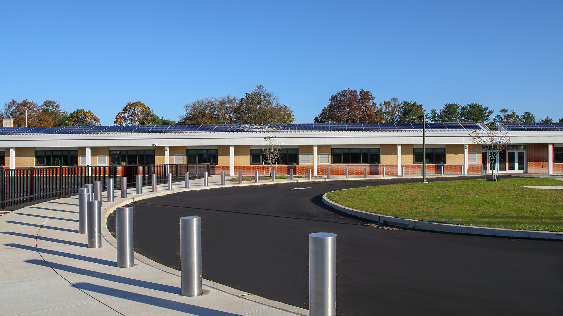 2-Exterior-3_SCHRADERGROUP_Council_Rock_School_District_Rolling_Hillls_Elementary_School